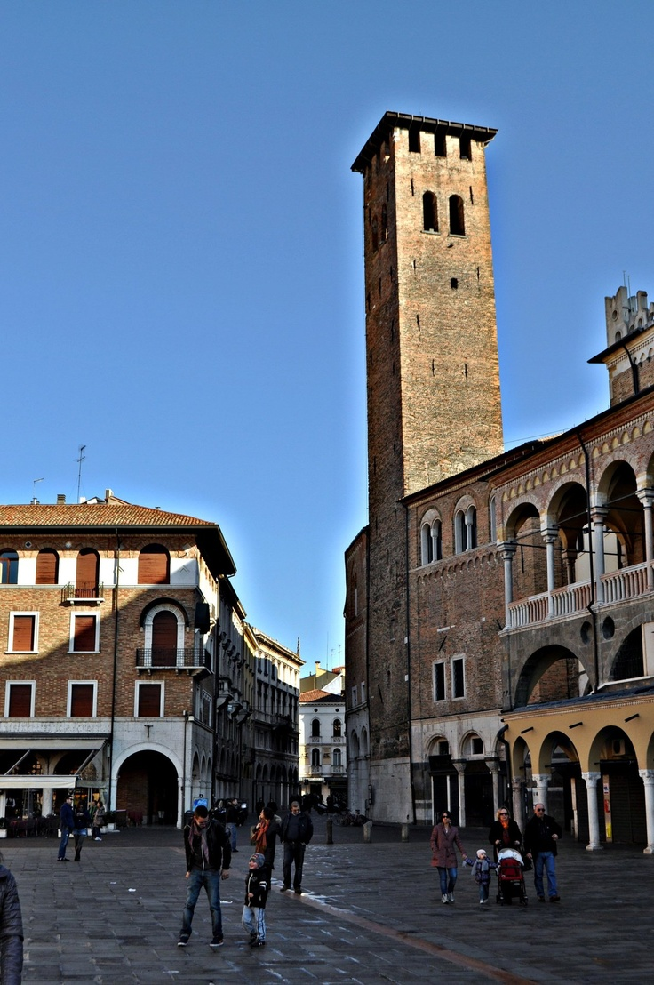 Piazza dell'Erbe, Padova. The world at your feet!
