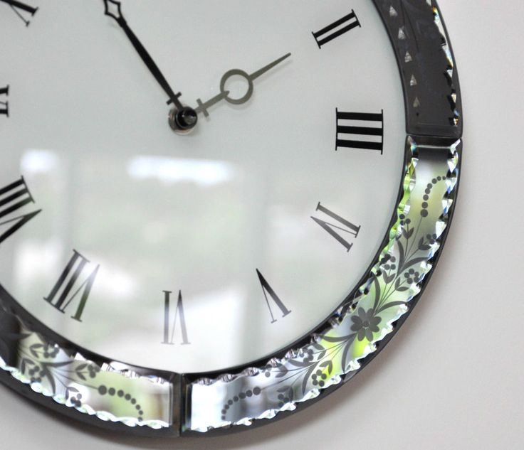 CRISTO  WALL CLOCK- Venetian Mirror  FRENCH STYLE NEW-ETCHED BEVELLED GLASS Stellshouse $95