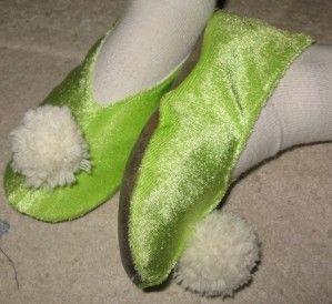 En octobre dernier, j'avais confectionné un costume de fée Clochette pour Domitille. Tenue portée vendredi lors du carnaval de l'école. Mais la tenue n'était pas complète, la demoiselle voulait les chaussons. Après une petite recherche sur internet pour...