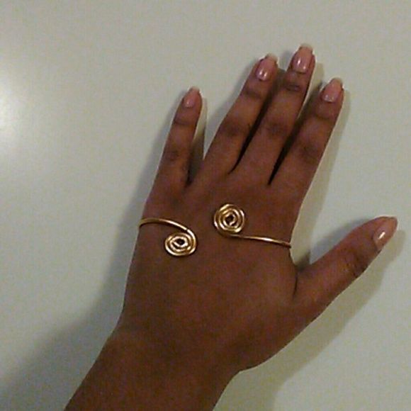 Palm cuff Handmade, fuax tarnished look, fully adjustable Jewelry Bracelets