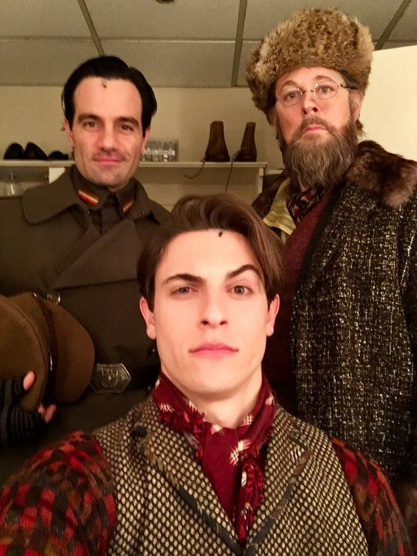 Photo Flash: ANASTASIA and GROUNDHOG DAY Celebrate First Two Show Day, PHANTOM Plays with Snapchat Filters, and More Saturday Intermission Pics!
