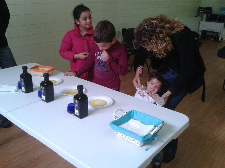 OLIVE OIL TASTING - #OLEOTURISMO #GASTROTOURISM #SPAIN  Will you find out the different aromas blessing our #oliveoils during the #tasting??  Our doors are OPEN EVERY DAY OF THE YEAR! www.oleicolasanfrancisco.com www.oleoturismojean.com Olive Oil Tourism - International Department: international@oleoturismojaen.com
