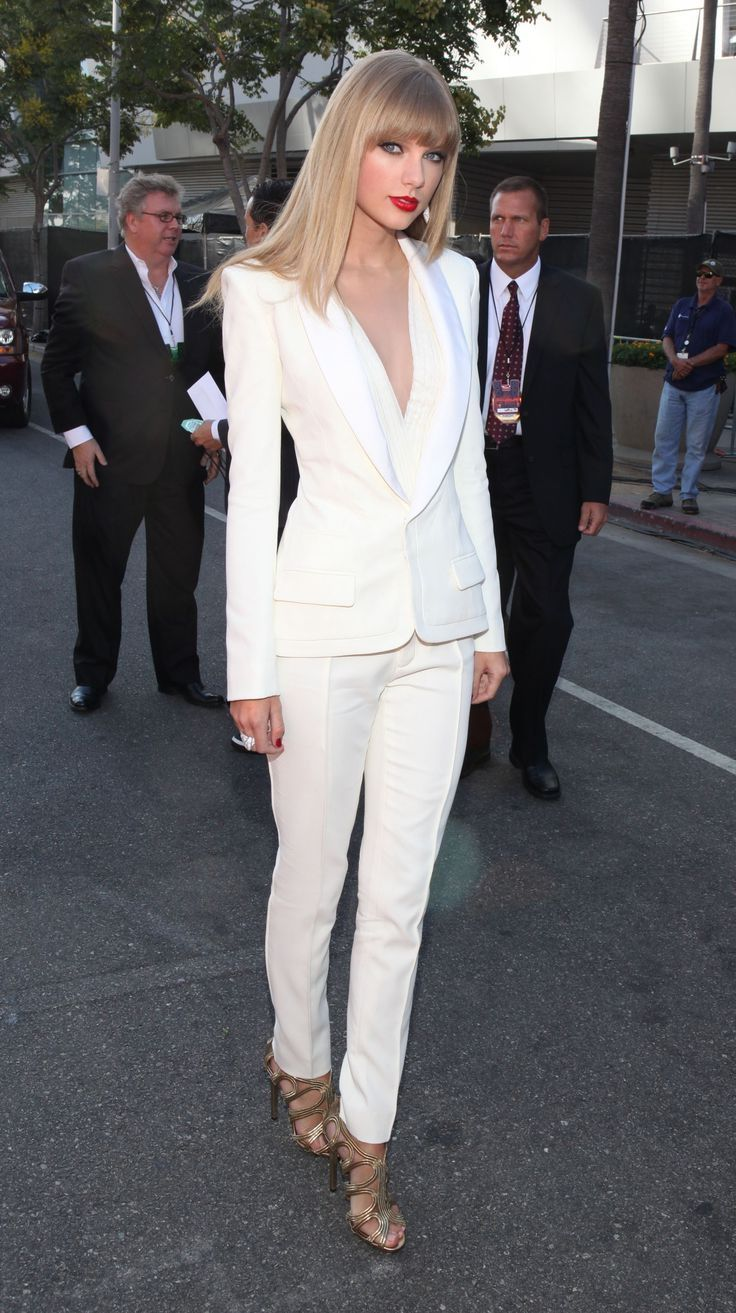 25  best ideas about White suits on Pinterest | White pantsuit ...