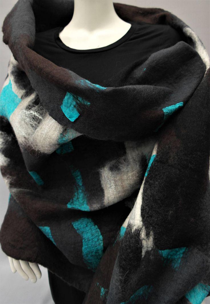 Vilten sjaal,  Shawl. wol en zijde, omslagdoek abstract. door KalishoekScarves op Etsy