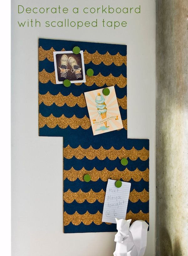 How to decorate a corkboard with scalloped Frog tape.This will dress up the area that I plan on using for my earrings.