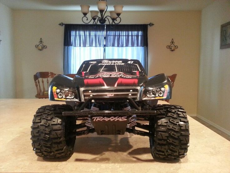 Slash 4x4 Vxl On 2 8 Wheels And Tires Proline Body Mount