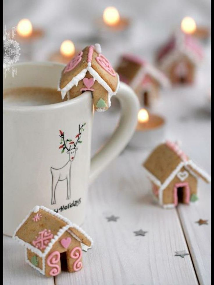 Mini gingerbread houses   I Love Christmas!
