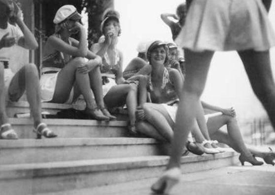 Jaques Henri Lartigue,s shot of Ziegfield,s Follies, Monte Carlo beach ,1933.