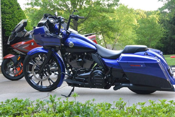 Photo of a 2012 Harley-Davidson® FLTRXSE CVO™ Road Glide® Custom