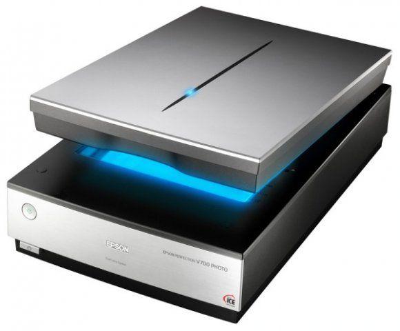Сканер – это устройство, которое анализируя какой-либо объект (обычно изображение, текст), создаёт цифровую копию изображения объекта.