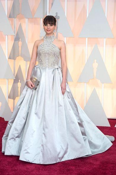 Felicity Jones|フェリシティ・ジョーンズ 映画『博士と彼女のセオリー』で主演女優賞をノミネートされたフェリシティ・ジョーンズ。 ドレス:アレキサンダー・マックイーン