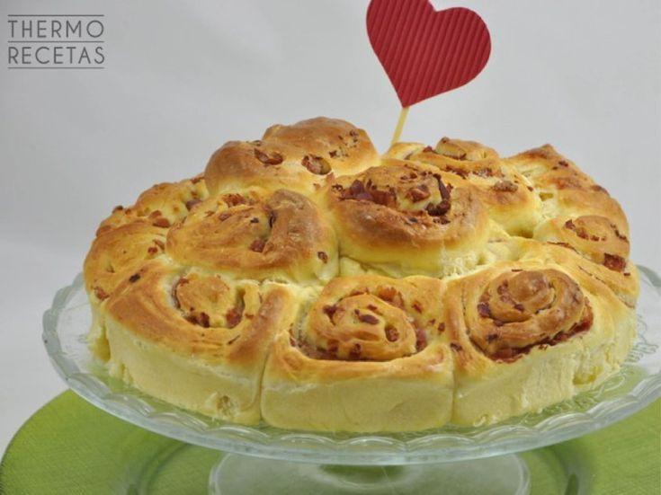 Rosas de pan brioche para San Valentín - http://www.thermorecetas.com/rosas-de-pan-brioche-para-san-valentin/