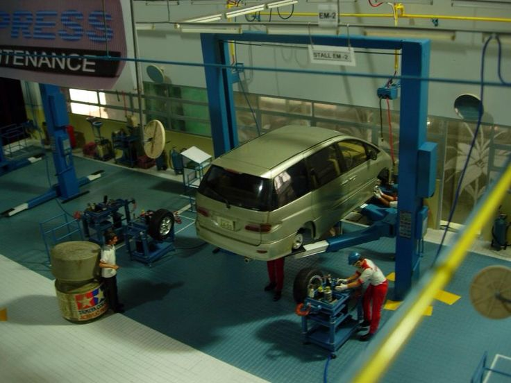 1/24 scale Toyota Maintenance Facility Diorama, by ademodelart