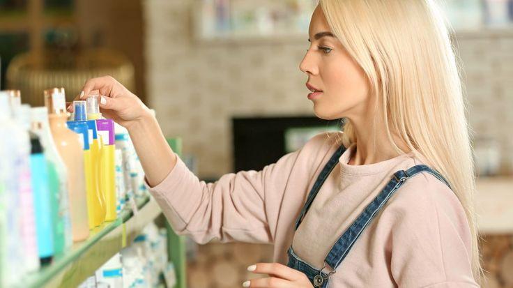 Snad v každé koupelně se najde klasický šampon na vlasy. Napadlo vás někdy, že se v lahvičce vlastně skrývá univerzální pomocník v domácnosti? Napovíme vám, co všechno dokáže.