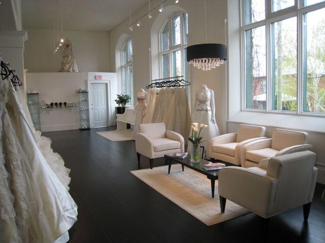 Best 25 boutique interior ideas on pinterest boutiques for Boutique decoration