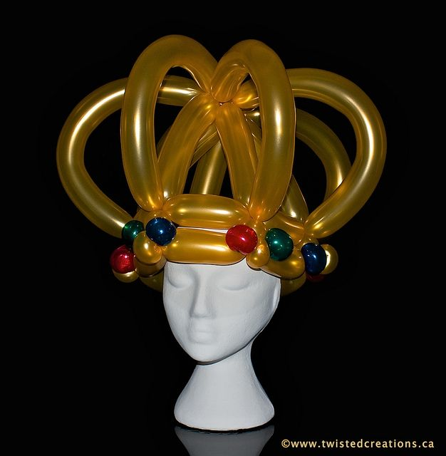 Linda hibbard crown balloon hat and balloon centerpieces