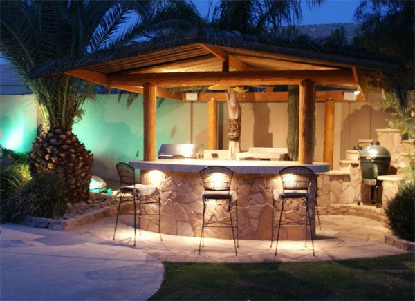 Outdoor bar awesome designs of home garden bars for Beach bar decorating ideas