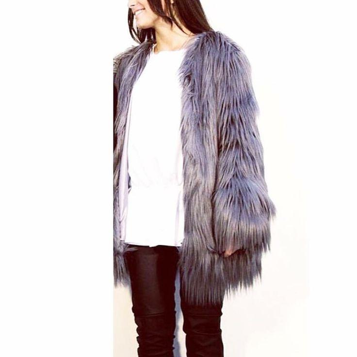 Info Facebook:giveness abbigliamento e accessori donna Instagram:givenessabbigliamento Whats app:+39 3398273612