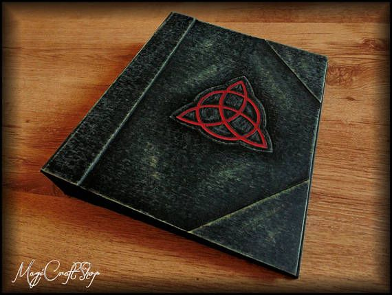 CHARMED RINGS BINDER with two rings Big size to contain