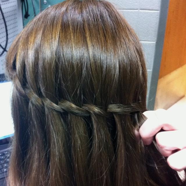 The Olivia Greek goddess braid   – hair/clothes