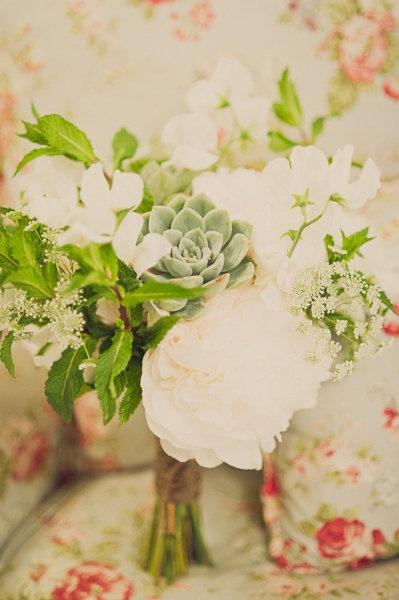 Style Me Pretty succulent boquet