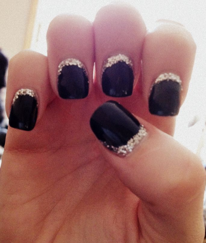 Elegant Silver Nails For Prom: Black And Silver Nails
