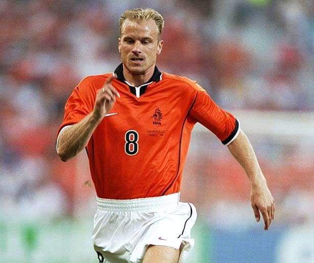 Pin By Nelson Demetrio On Holanda Dennis Bergkamp Mens Tops Champions League