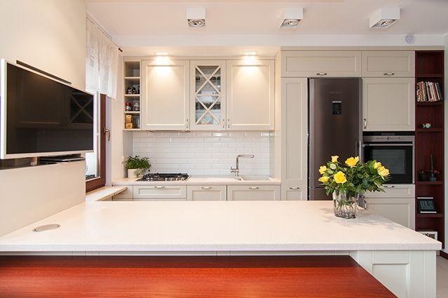 Projekty i realizacje zabudowy kuchennej oraz dobór wyposażenia. Meble kuchenne, łazienkowe, gabinetowe, szafy, zabudowy.
