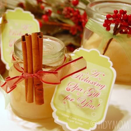 12 homemade gifts in a jar: Vanilla Sugar Scrubs, Sugarscrubs, Gifts Ideas, Homemade Sugar Scrubs, Homemade Gifts, Vintage Romance, Sugar Scrubs Recipes, Christmas Gifts, Diy Christmas