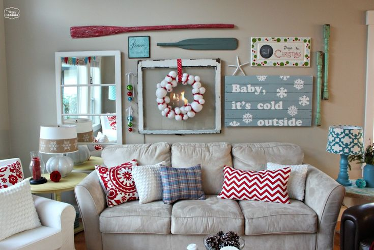 The Happy Housie- Our Christmas Living and Dining Rooms - lots of handmade DIY Christmas decorating ideas