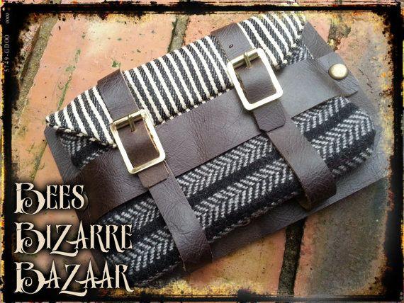 Ladies Leg Garter Belt Purse Wallet Pouch by BeesBizarreBazaar