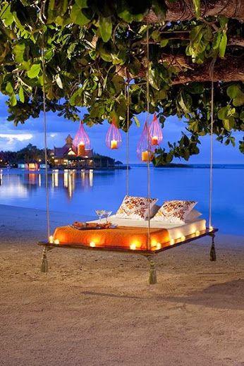 Turn your honeymoon into a castaway playground…  THE BEST BEACHSIDE HONEYMOON AND WEDDING DESTINATIONS IN USA http://www.thebeautyoftravel.com/best-beachside-honeymoon-wedding-destinations-usa