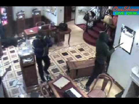 gruparea de hoţi români care dădea o spargere în 60 de secunde