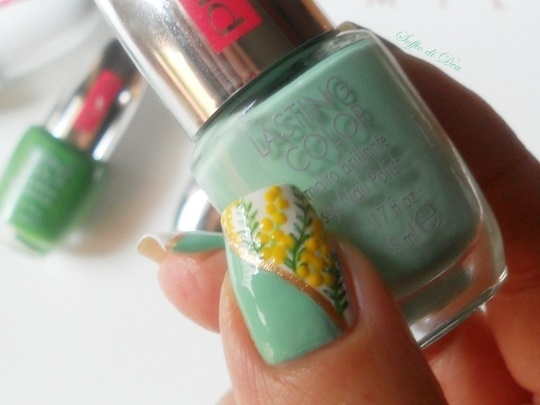"Nail Art ""Festa delle mimose"""