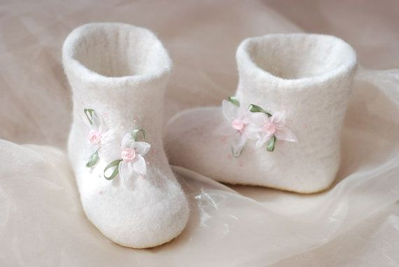 Baby slippers Princess felted from white wool size by zavesfelt, $33.00