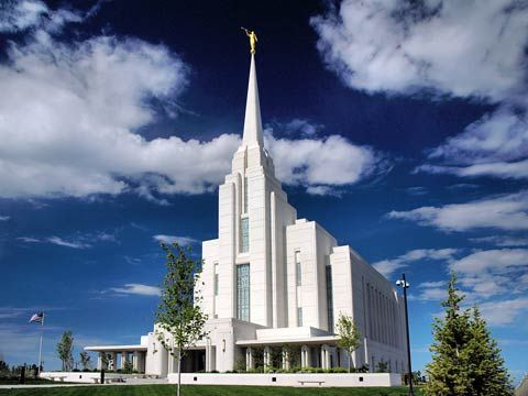 Rexburg Idaho Temple ... such a blessing for my college  kids