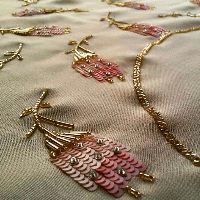By @toge_n #embellishment #embroidery #fashion #fancywork #flower #decor #design #art #buglebeads #bugle #beadsembroidery #beads #beadembroidery #broderieart #handwork #handmade #sequins ##gold