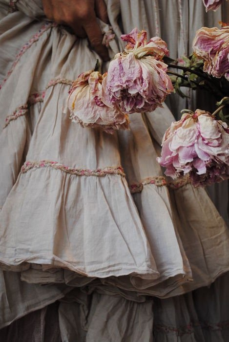 i like this poofy skirt...: Fashion, Inspiration, Style, Shabby Chic, Dress, Beautiful, Roses, Pink, Flower