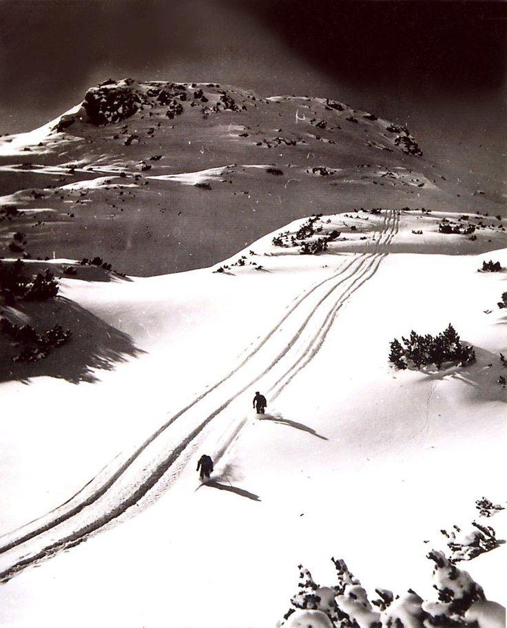 Schifahren im Obertauerner Seekargebiet anno dazumal.