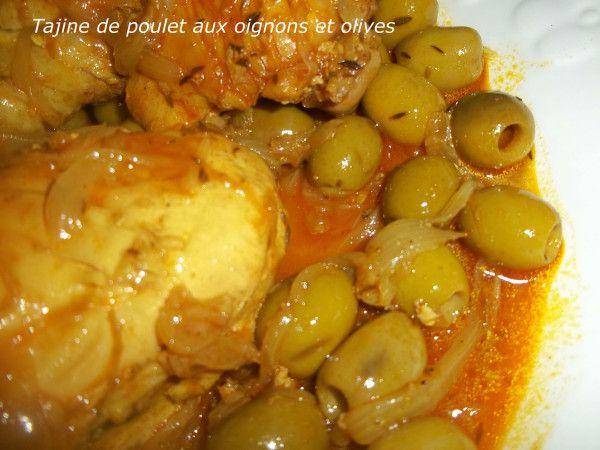 Essalamou alaikoum , bonjour ..avant de passer au plat du jour je tiens à souhaiter un bon ramadan à toute la comunauté musulmane , ramadan karim moubarak ...... Tajine aux poulets et olives un des plat magrebien les plus populaire !! c'est un classique...