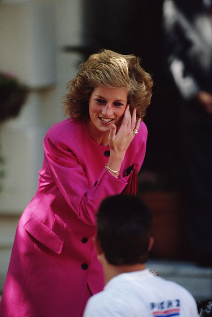 Princess Diana's hair was as luxurious as Kate. Such a great pity she never wore it long as does Kate.