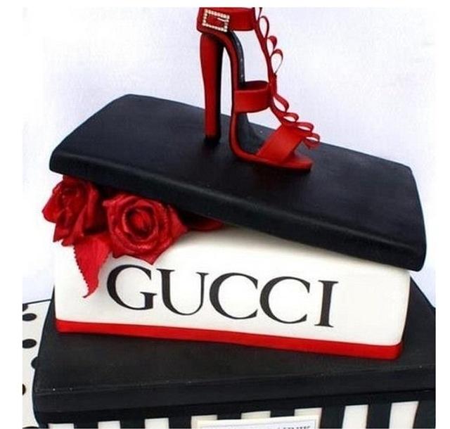 Stunning fashion cake!xoxo