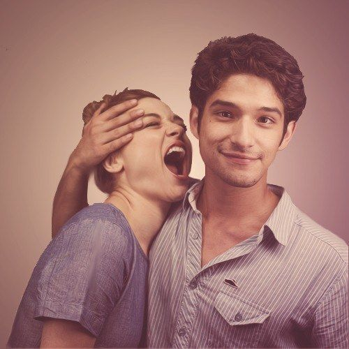 Crystal Reed and Tyler Posey | Community Post: 50 Examples Of The Cast Of 'Teen Wolf' Being Extremely Attractice