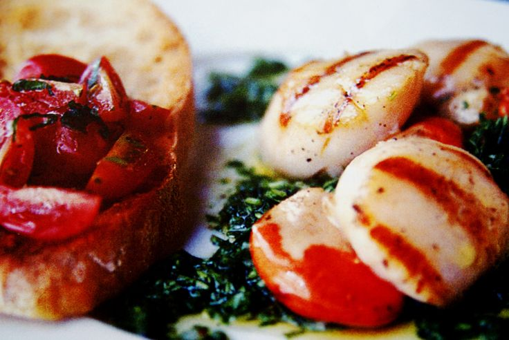 5-2 Diet Recipe; Scallops with Rocket Pesto and Ciabatta Toast