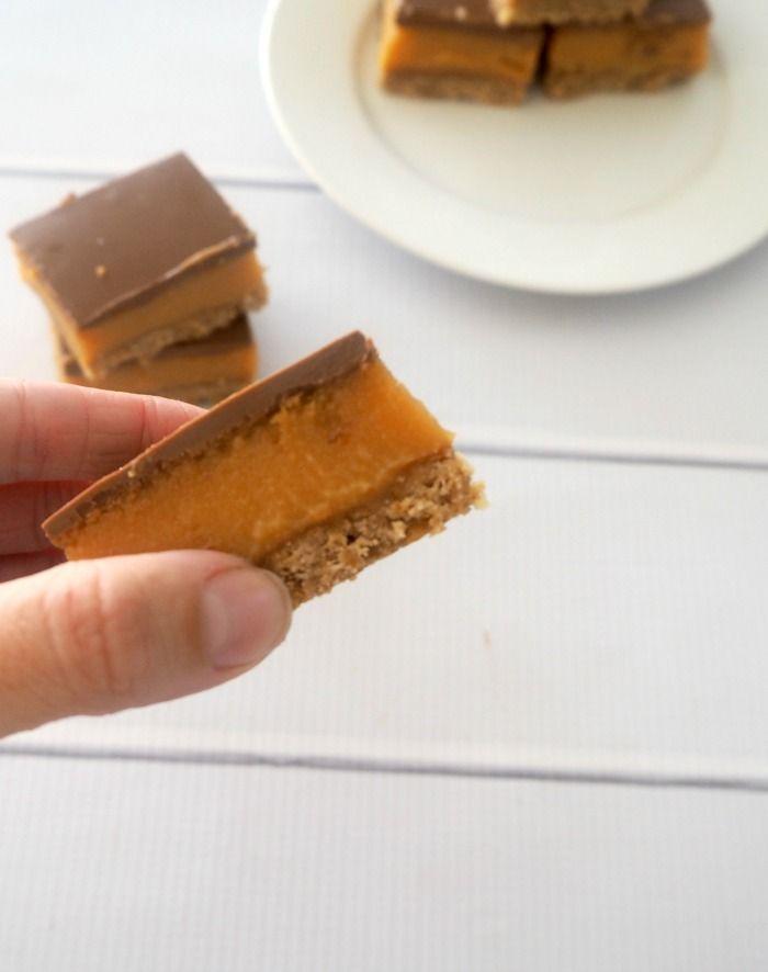 Easy Caramel Slice
