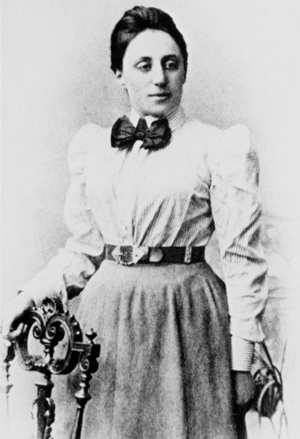 the most important woman in the history of mathematics emmy noether Emmy noether is one of the most important and  considered by albert einstein and david hilbert as the most important woman in the history of mathematics,.