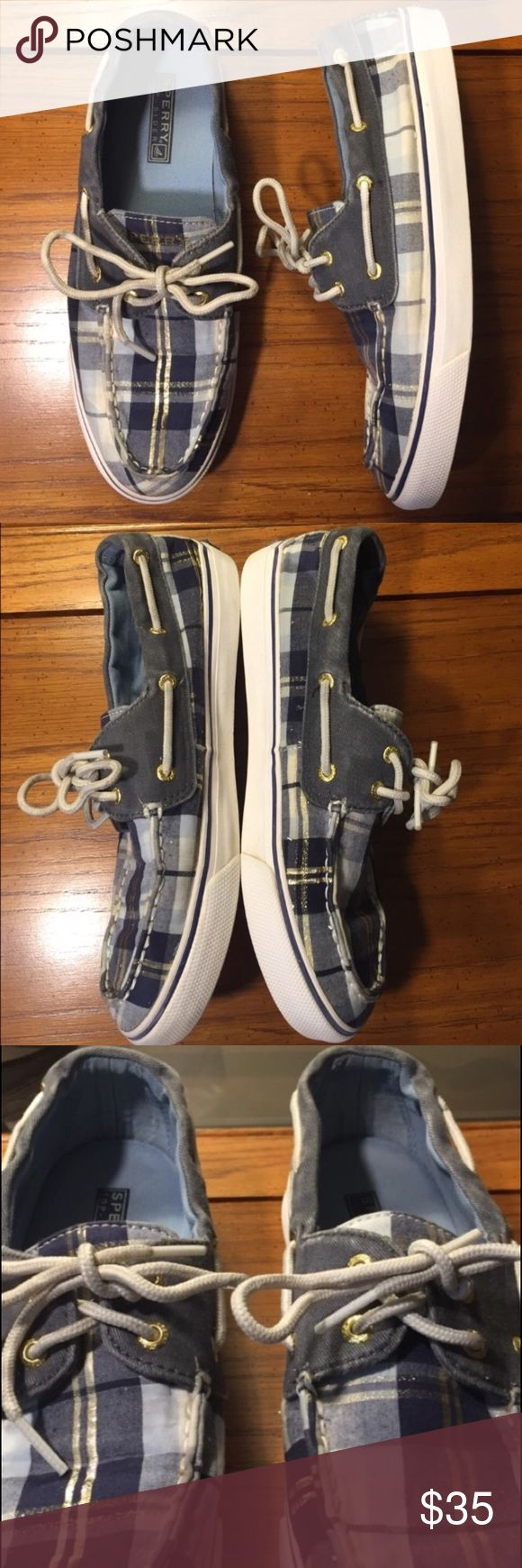 Women's Sperry Top-Sider Plaid Canvas Sneaker Women's Sperry Top-Sider Plaid Canvas Sneaker - size 8. Excellent condition women's boat shoes with gold stripe. Sperry Top-Sider Shoes Flats & Loafers