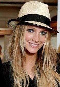 "I wish I could pull off the ""fedora look"". This one is very pretty!"