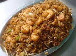 08 - HISTORIA - A pesar de la importancia del arroz en la cocina china, en casos extremadamente formales, si no se ha servido arroz y ya no existen platos sobre la mesa, en este caso, se sirve un plato adicional de arroz a los comensales.