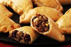 Estas empanadas procedentes de la cocina chilena encantarán a todos ya que están rellenas de carne molida y queso además de…